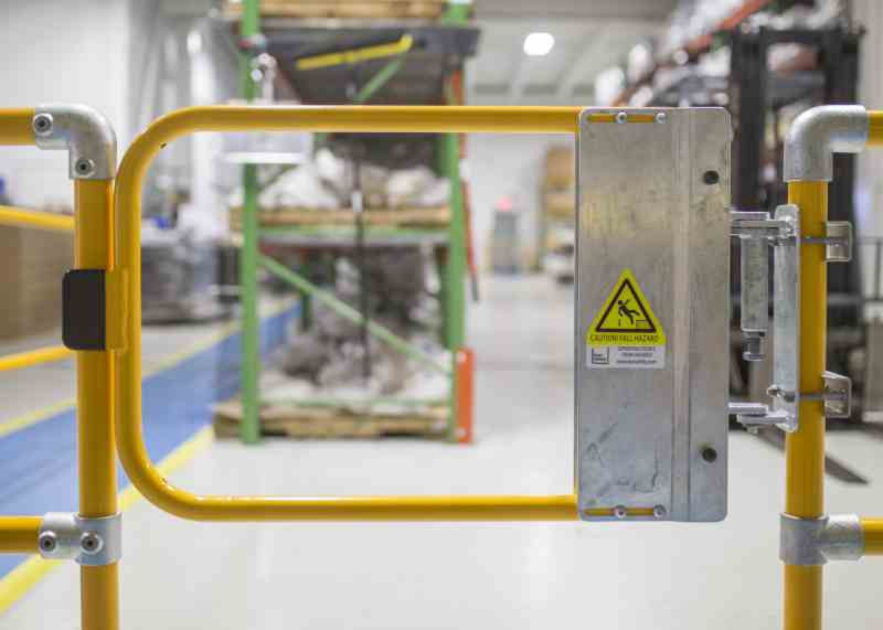 Industrial Safety Gates Amp Self Closing Safety Gates