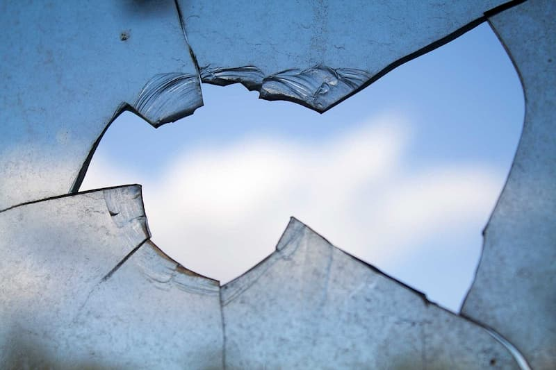 dangers of broken windows