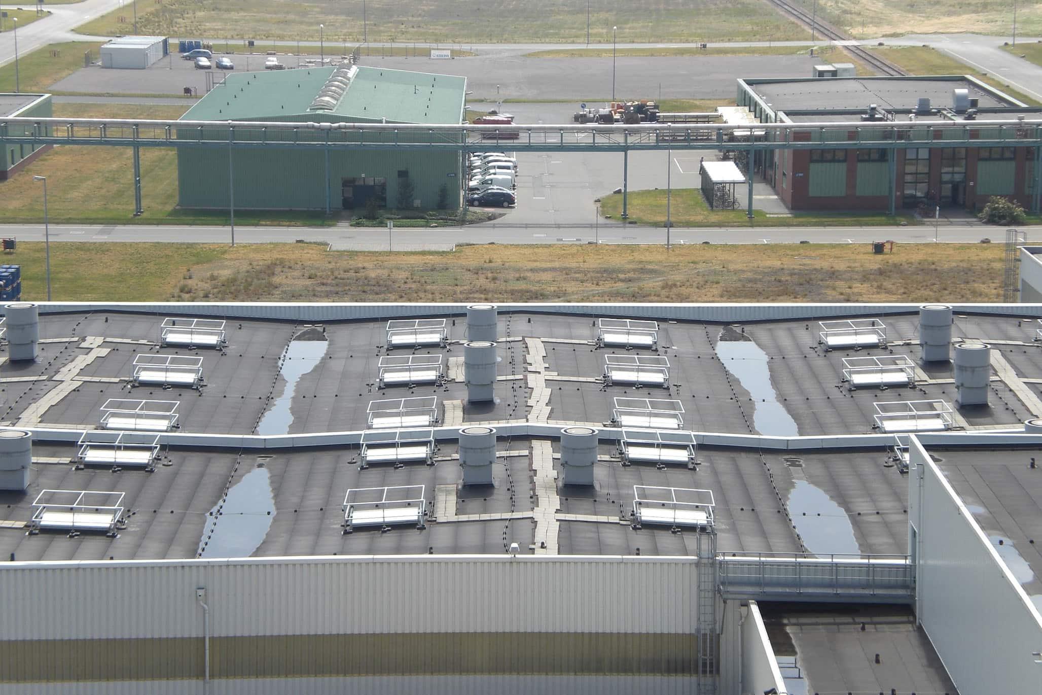 Kee Dome, skylight guardrail