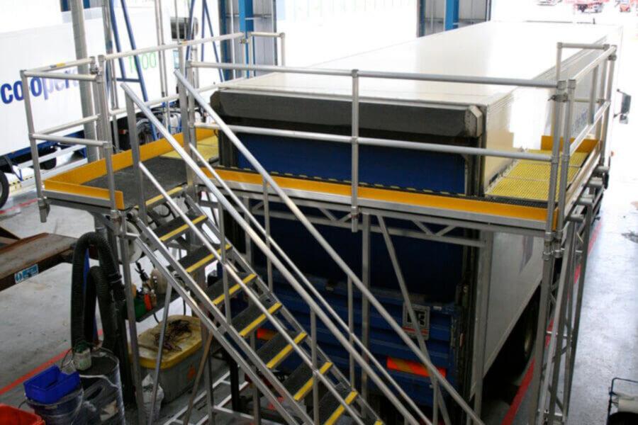 Platforms for truck maintenance
